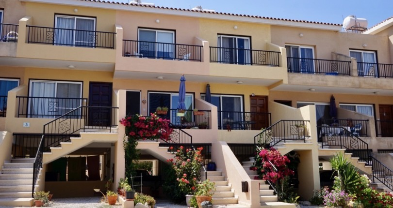 Townhouse For Sale in Peyia, Paphos