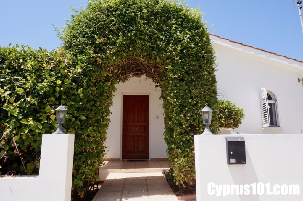 Peyia-Bungalow-with-roof-terrace-and-views-764