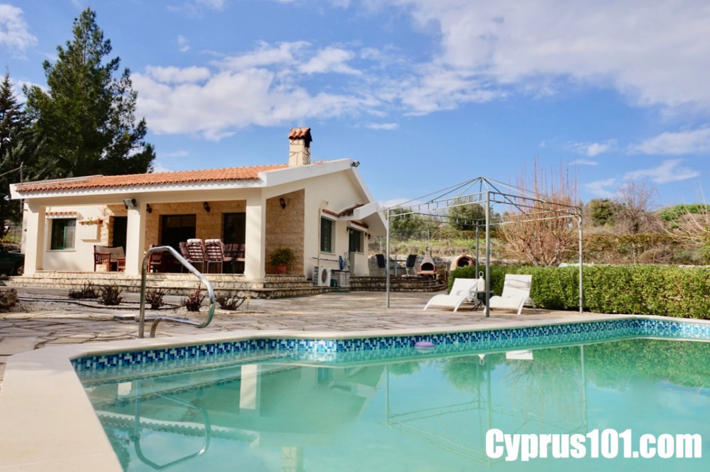 Kannaviou, Paphos Bungalow for sale