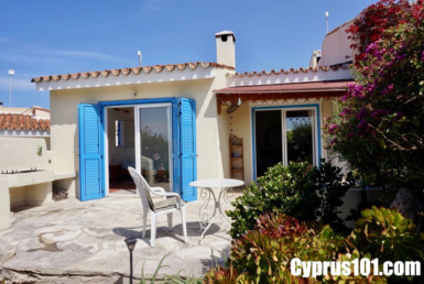 Chloraka Bungalow for sale in Paphos Cyprus