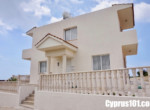 3-Peyia villa for sale within walking distance to shops and restaurants & minutes drive from Coral Bay.