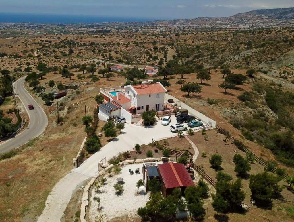 Coral-Bay property