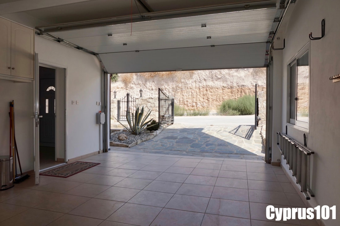 Villa in Peyia with stunning views