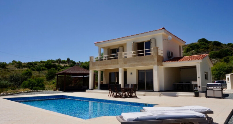 Reduced – Energy Efficient Villa For Sale in Episkopi, Near Minthis Hills