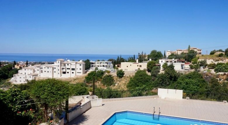 Townhouse For Sale in Tala, Paphos