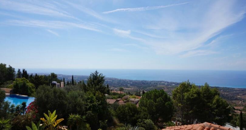 以下是获得在塞浦露斯, 一个地中海 和欧盟 地区的海岛, 居留身份所需的步骤