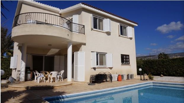 Villa in Coral Bay, Paphos – For Sale