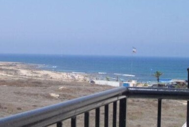 Kato Paphos apartment for sale overlooking beach