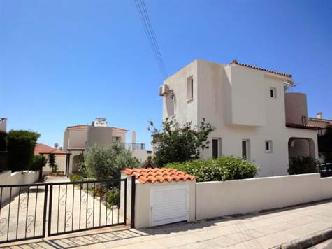 Tala – Paphos – 2 Villas on 1 Large Plot – Pool, Views & Deeds
