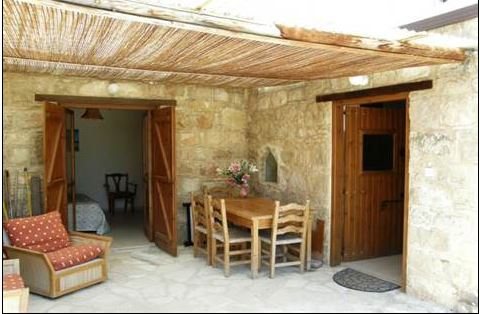 Stone Bungalow in Tremithousa – Great Price with Deeds