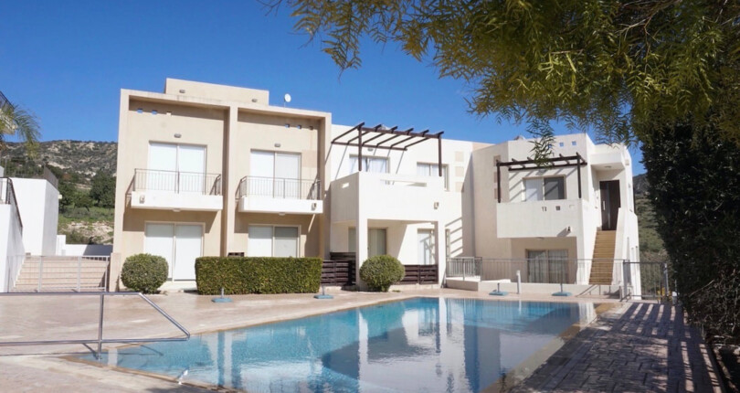 Peyia Townhouse with Stunning Rural Views #917