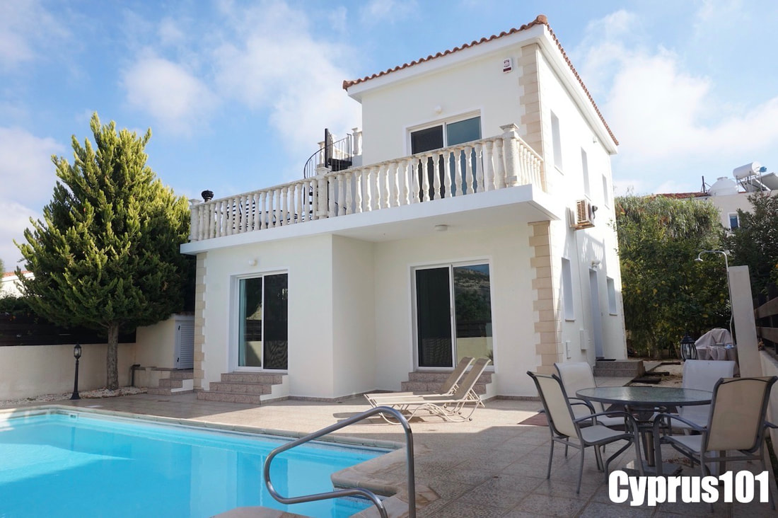Peyia Villa with Roof Terrace