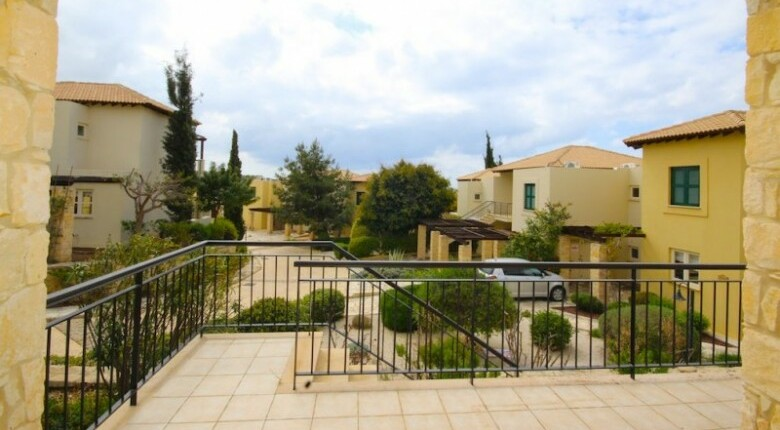 Apartment For Sale in Aphrodite Hills, Paphos