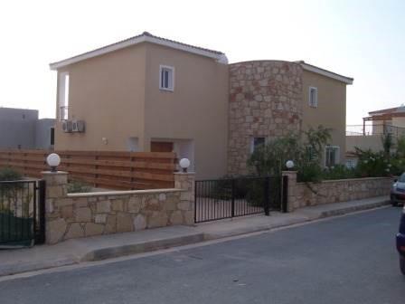 2 Story For Sale in Agios Georgios