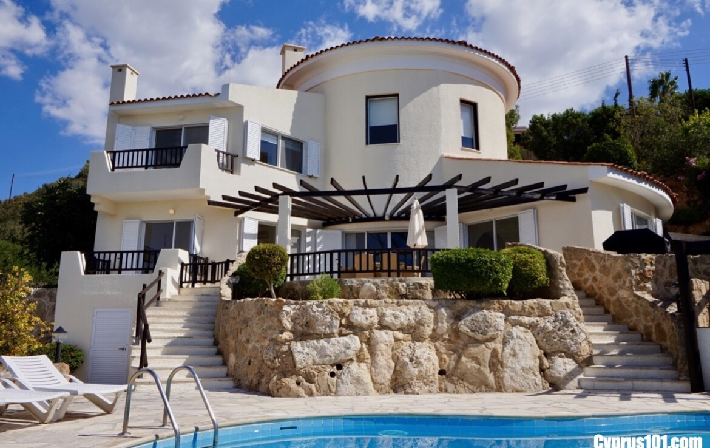 Kamares Luxury Villa in Paphos