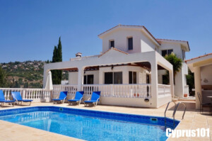 Gorgeous Tala Villa with Sea Views