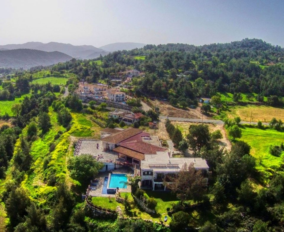 Lysos Paradiso HIlls Hotel