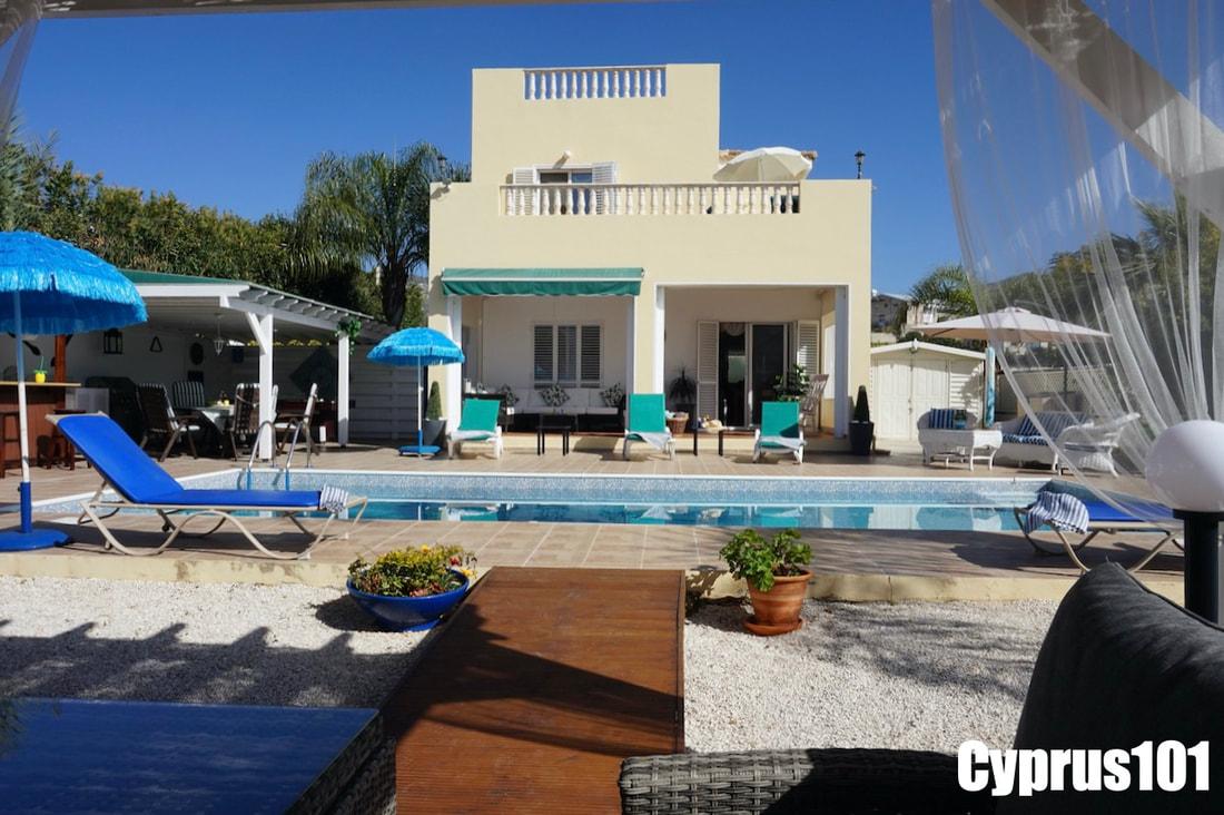 Peyia villa for sale