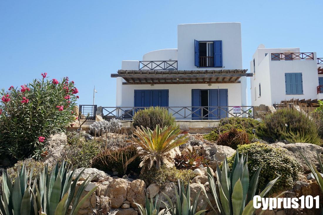 Chloraka Sea Front Villa